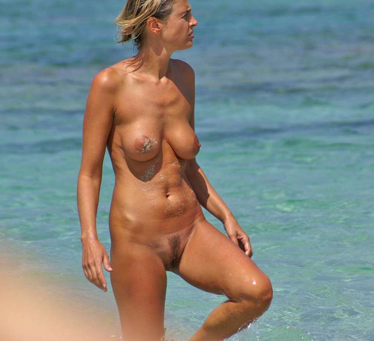 girlfriend shy topless beach