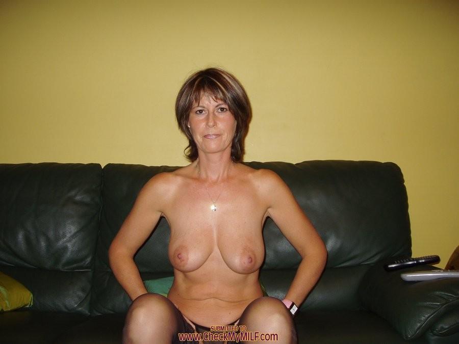 amateur classy gilf nude