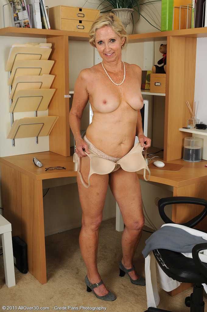 carrie heffernan naked pics