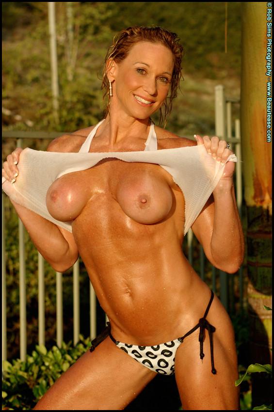 tiffani amber naked video