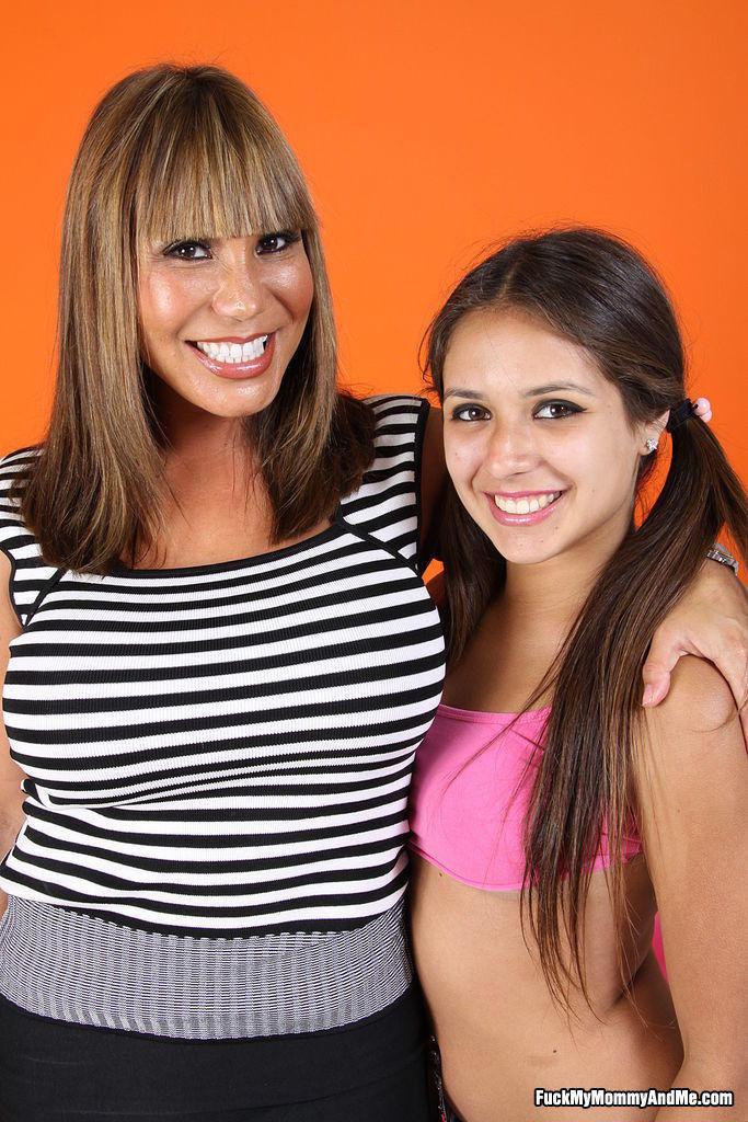 Step Daughter Step Mom Lesbian