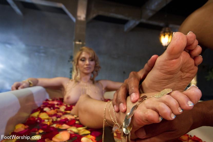 Naked big booty women bent over