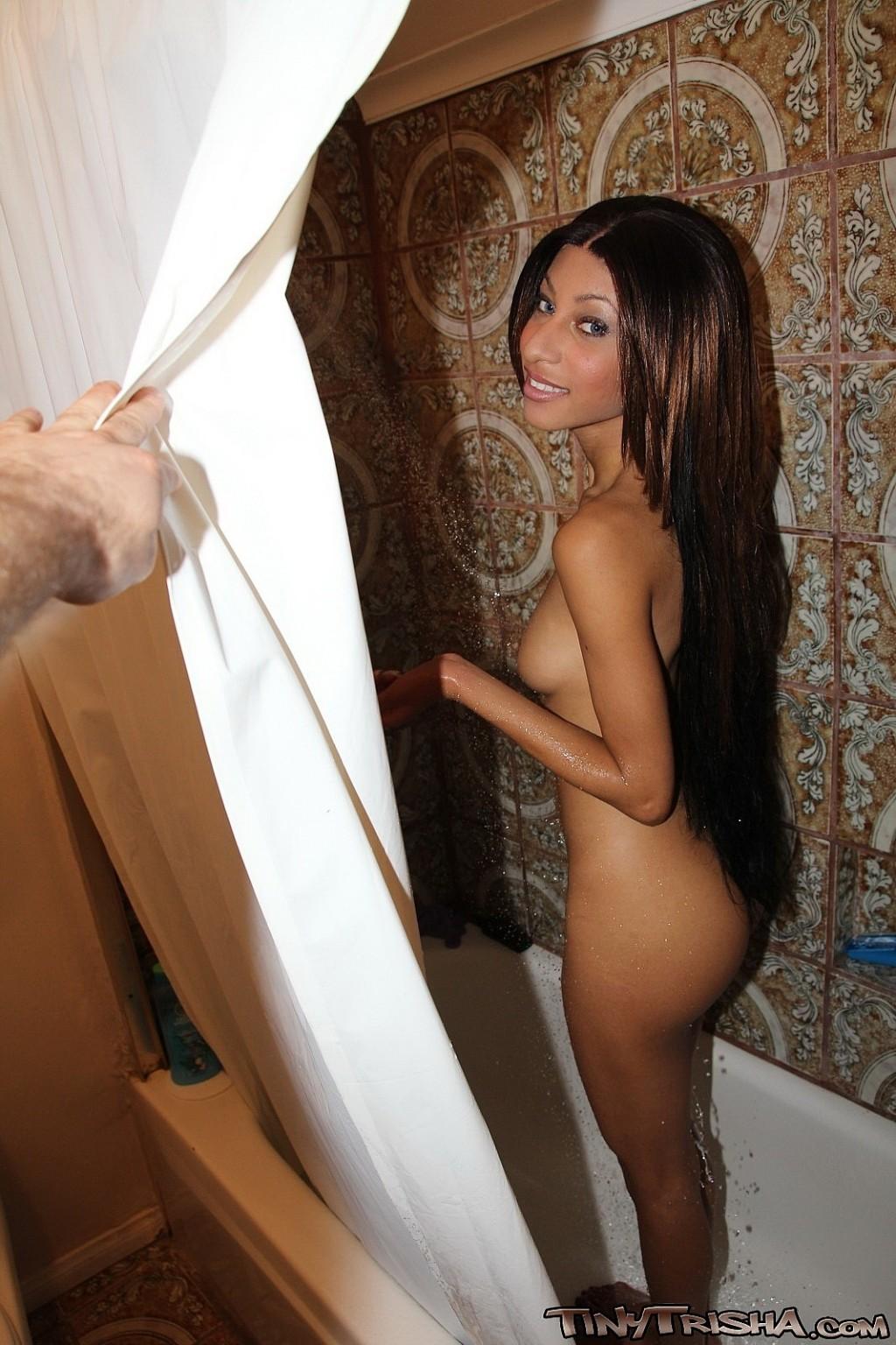 Hot nude girls smoking bongs