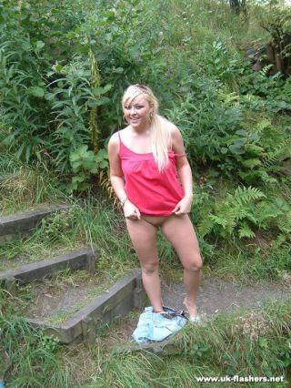 nude in public leigh