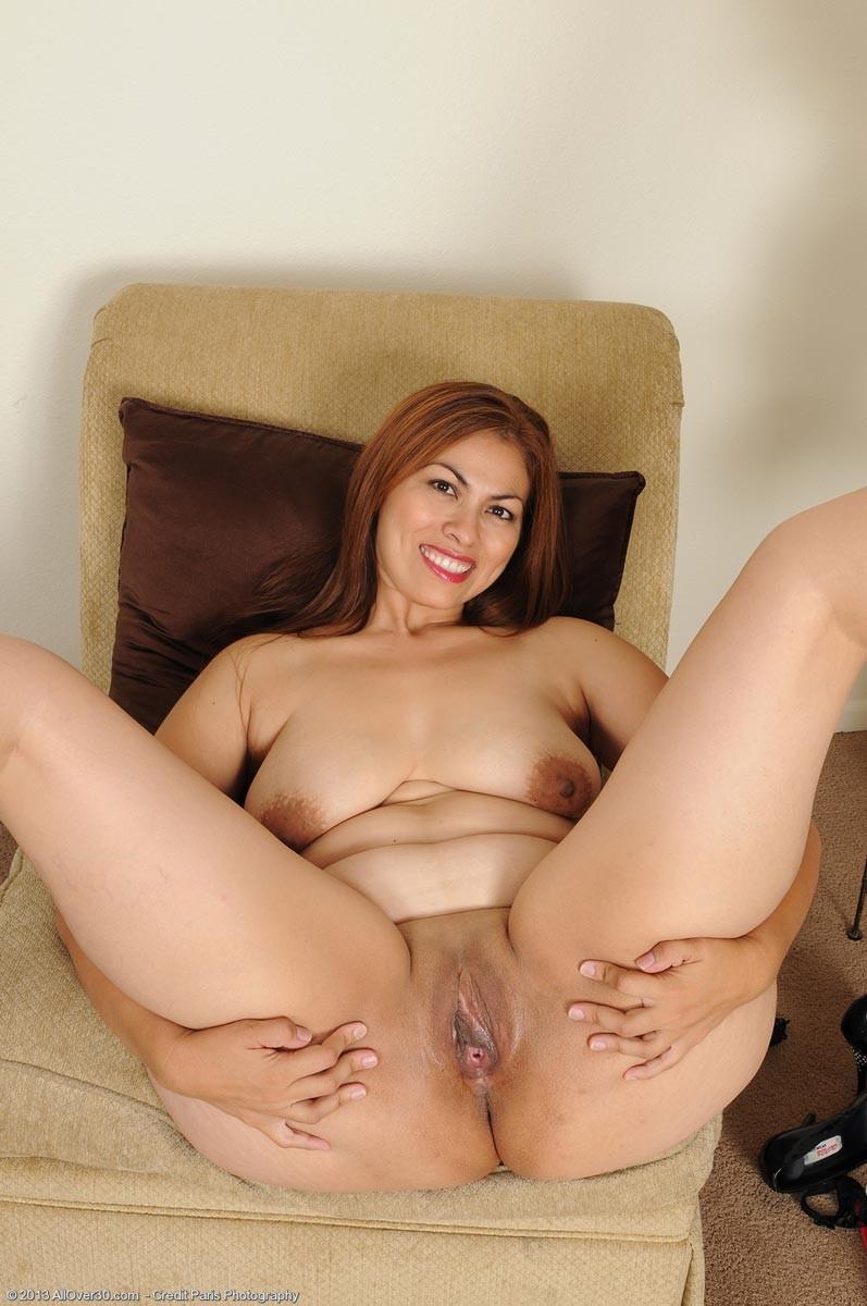 hot nude girls spreading
