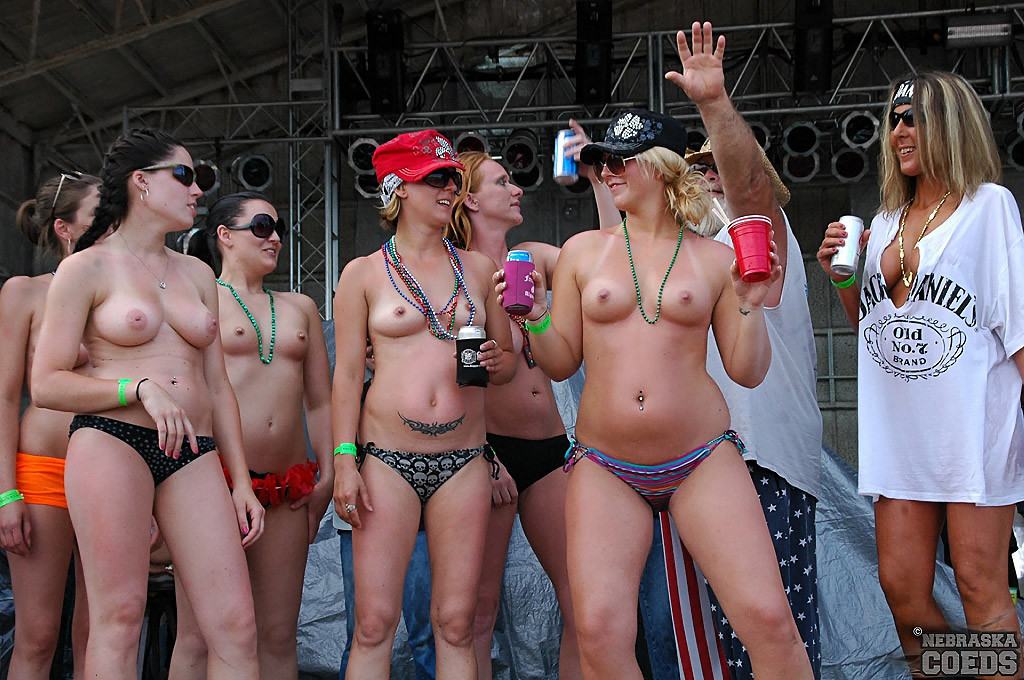 amateur college nude party