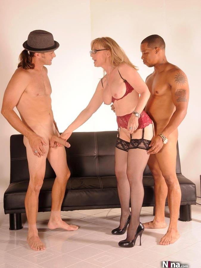 Threesome Black Girl White Guy