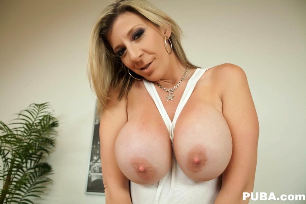 Leaked ariana grande nude hacked icloud