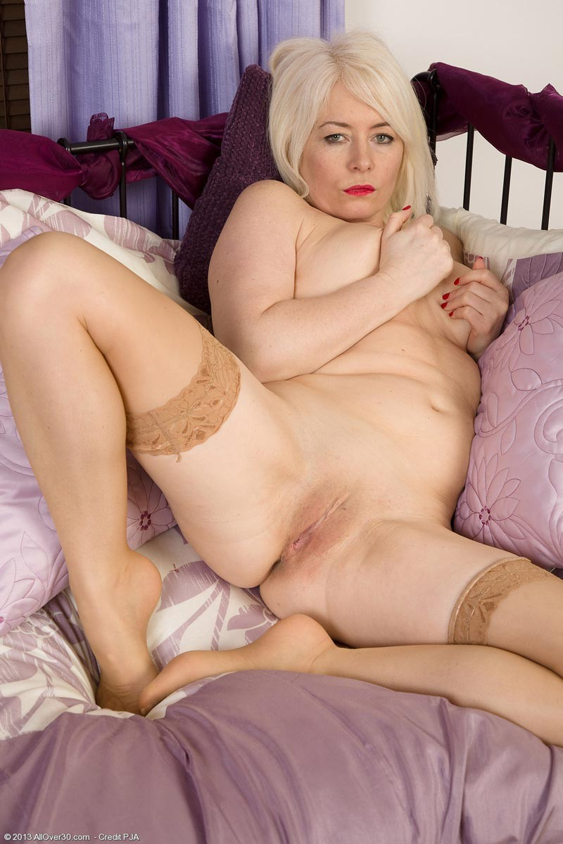 Amber Mature Porn horny natural mature in lingerie - pichunter