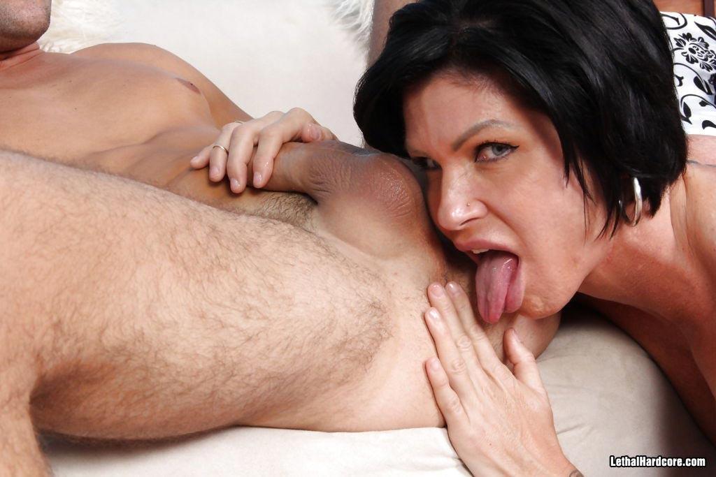 Italienerin Mutter Bruenette Facialsex