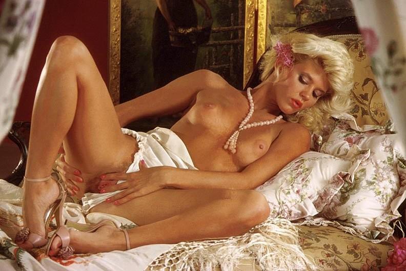 Xxx women getting spanked naked