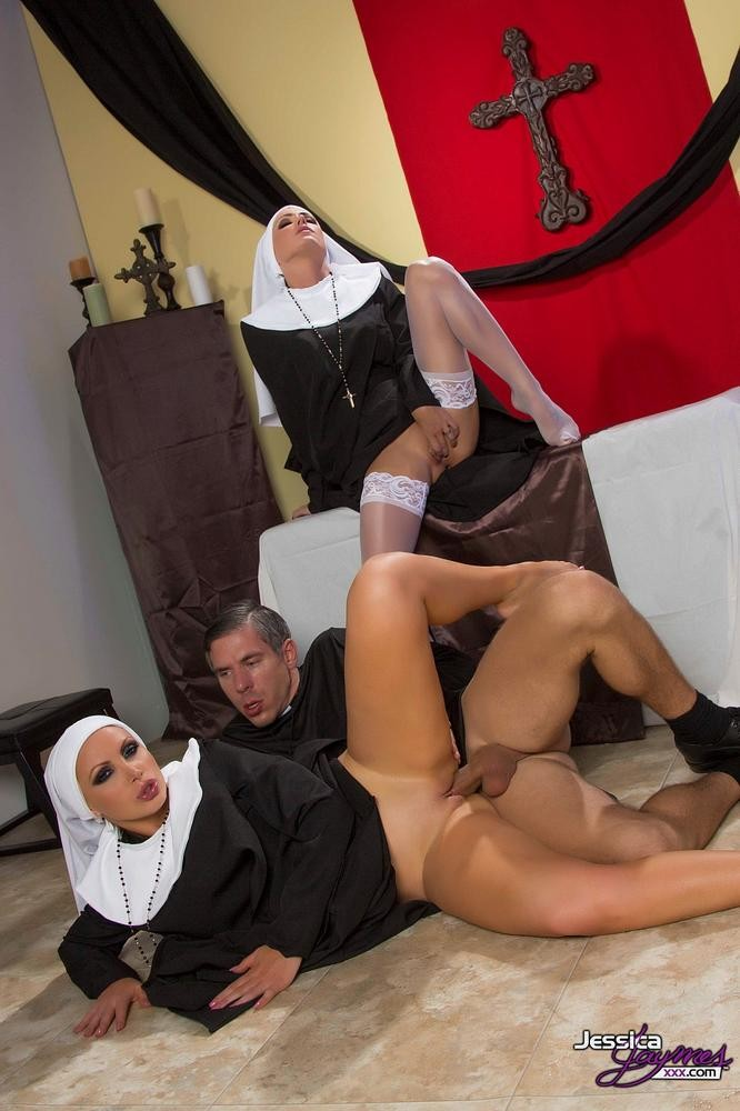 Nikki Benz Anal Threesome