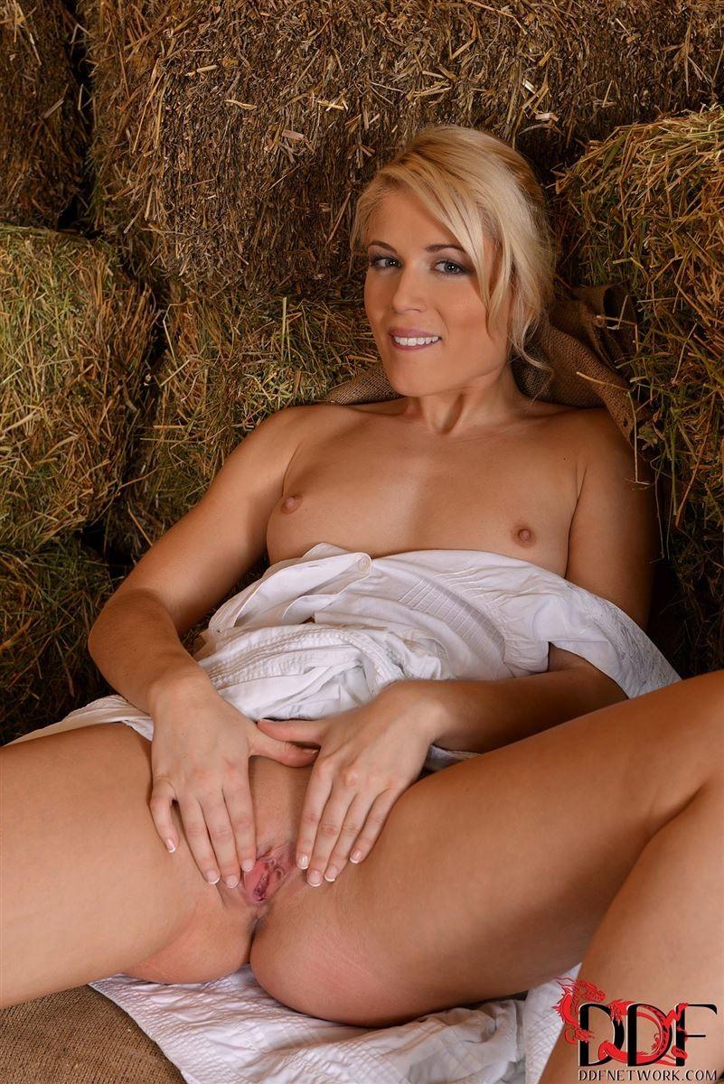 nude farm girl fucked