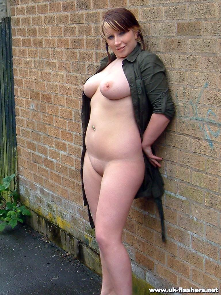 busty amateur mifs nude