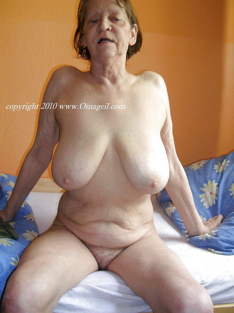 voyeur naughty naked mature woman