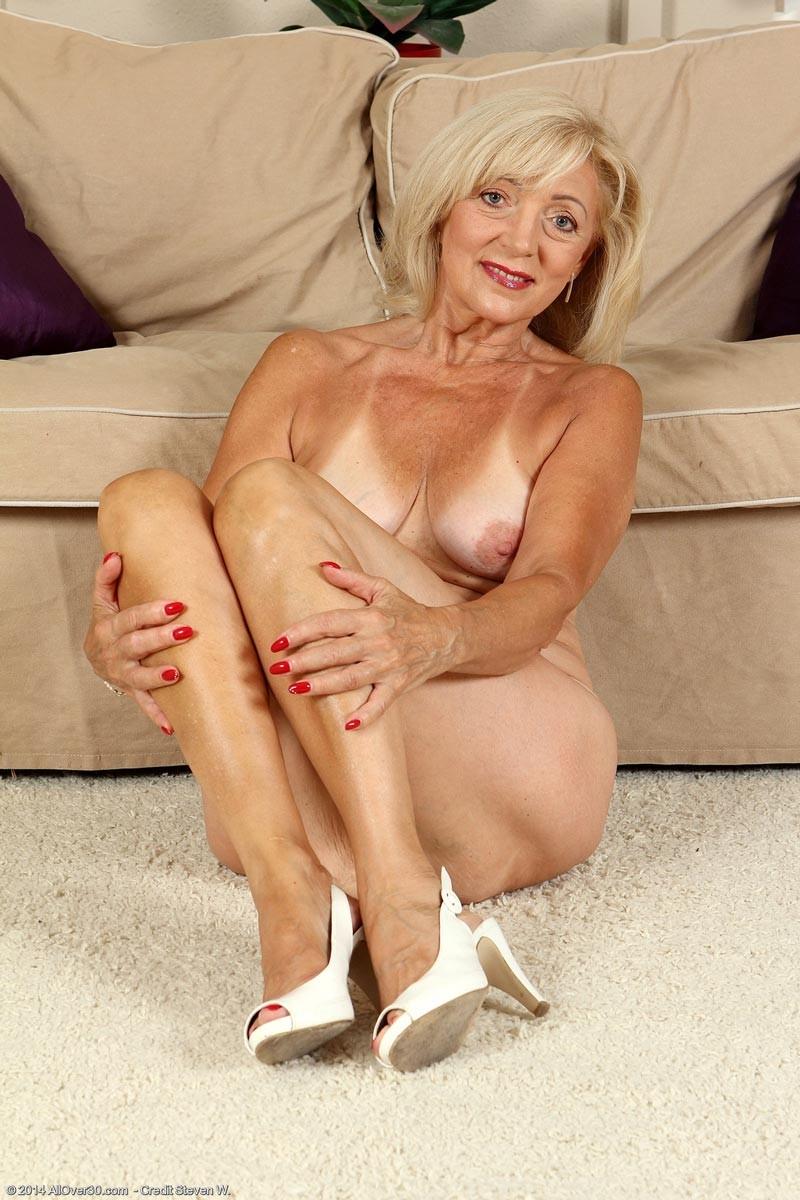 old women naked sex