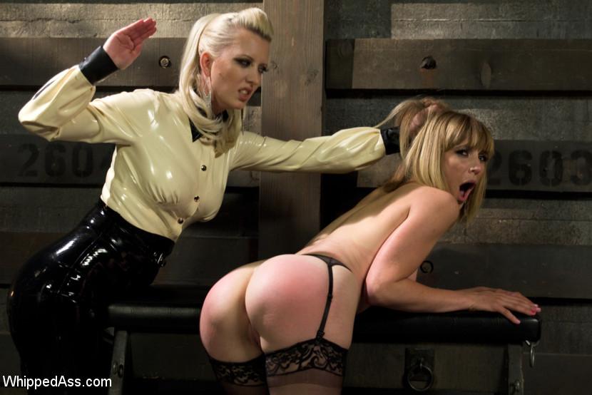 Lesbian Anal Strapon Bondage