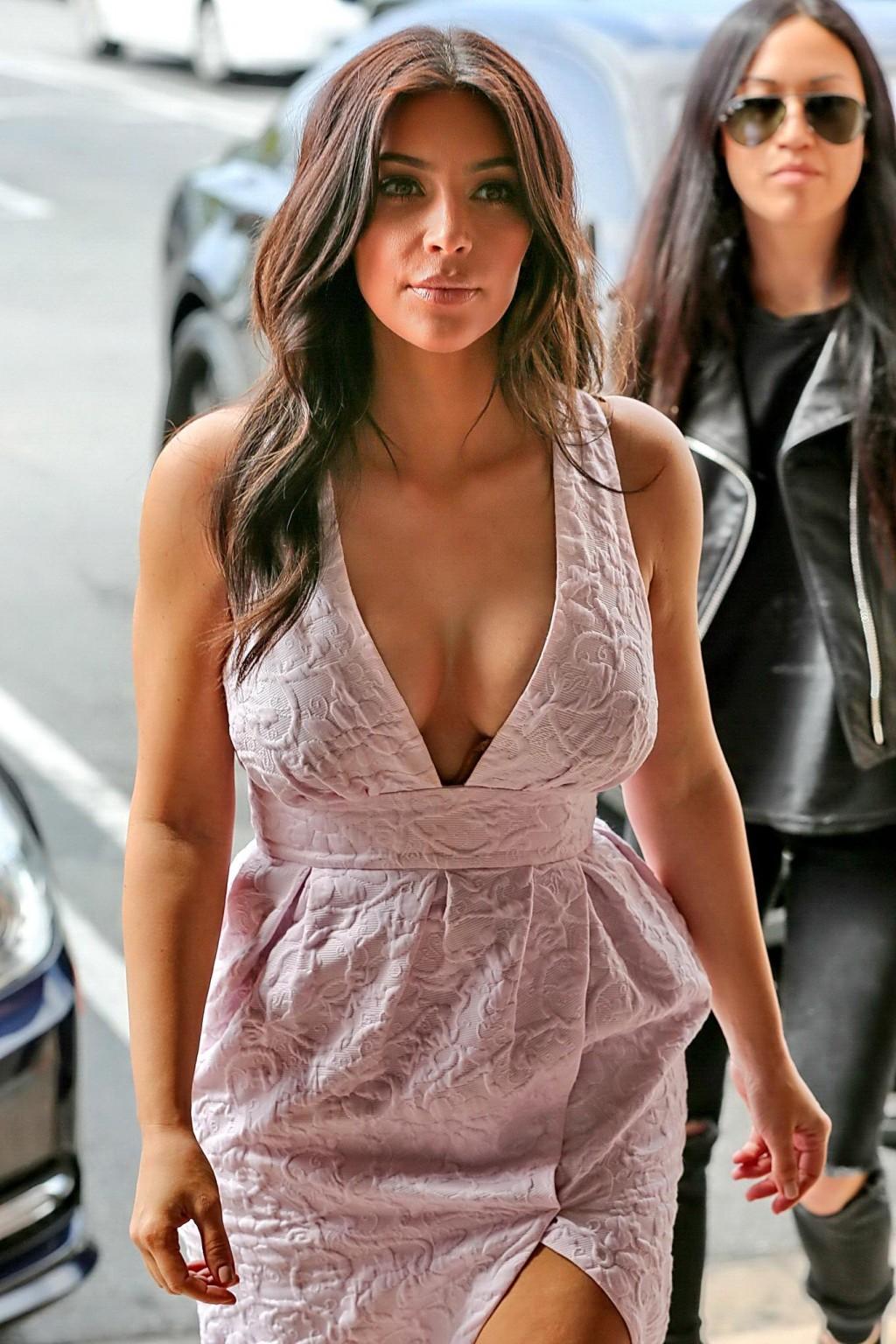 Kim kardashian pichunter