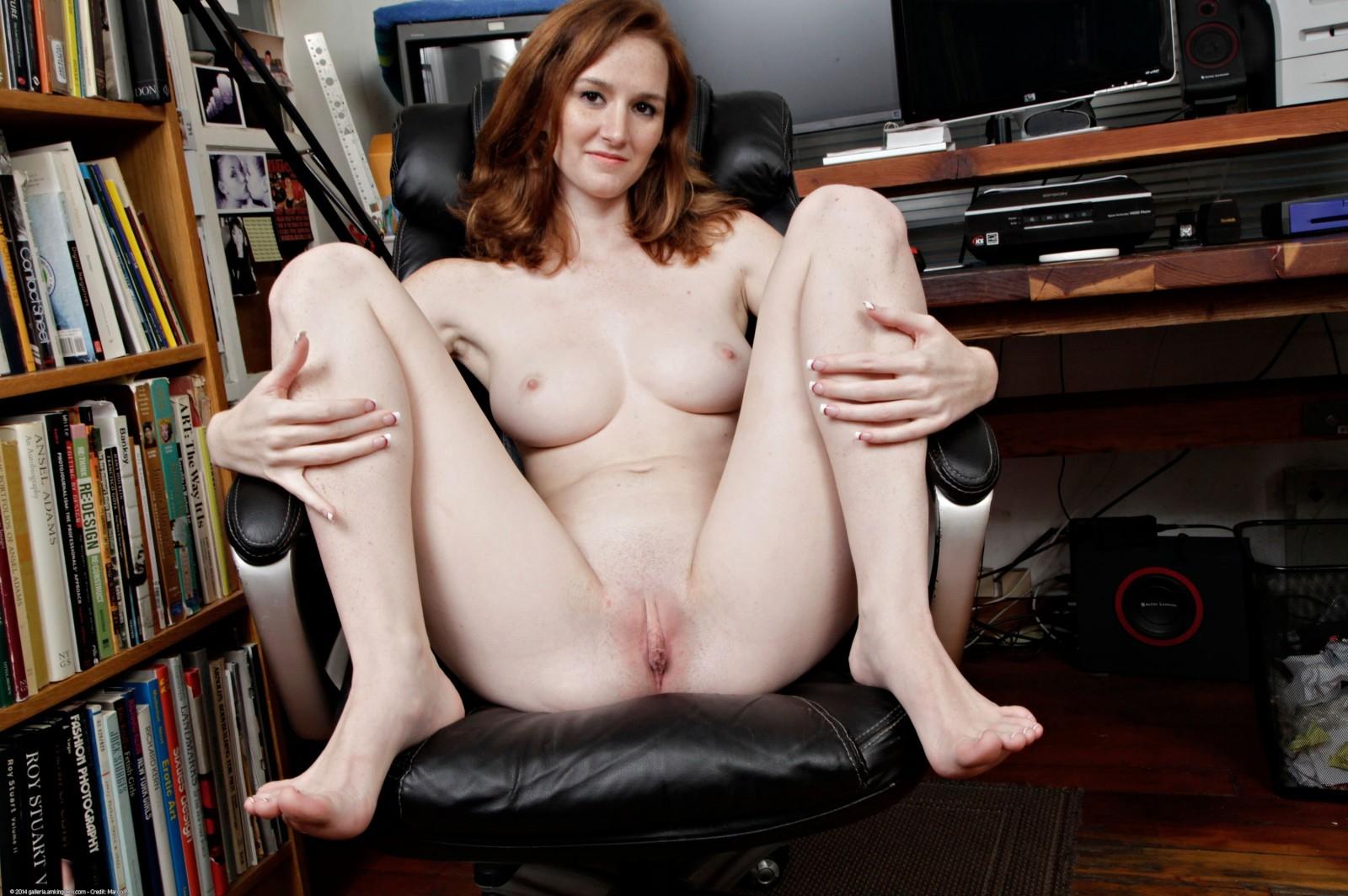 redhead coed sex game