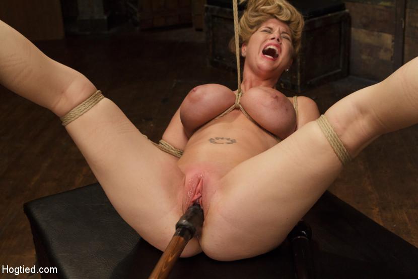 Super hot blonde ass pussy