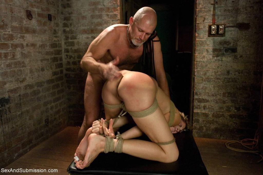 female orgasm during blowjob