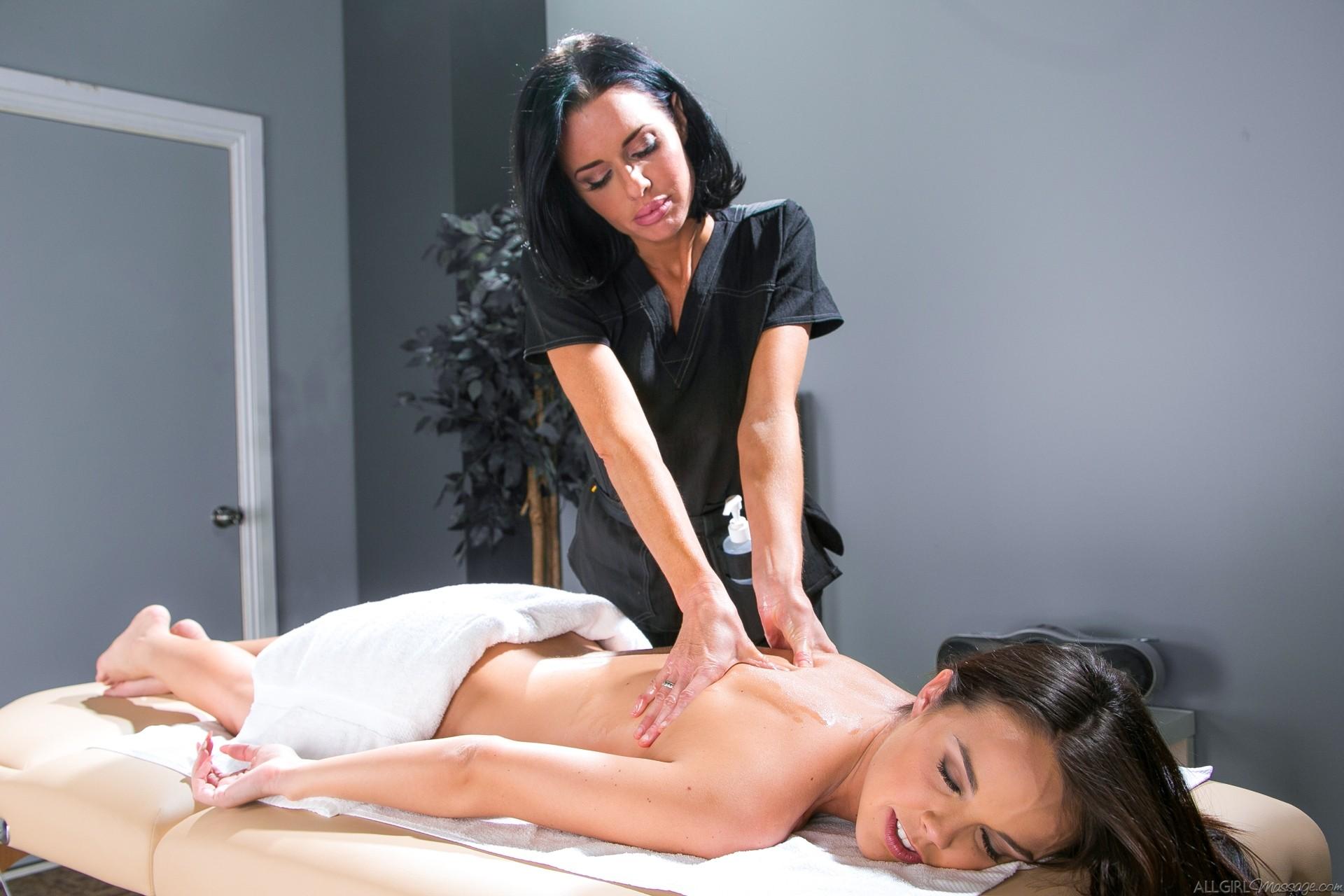 Sara Luvv Lesbian Massage