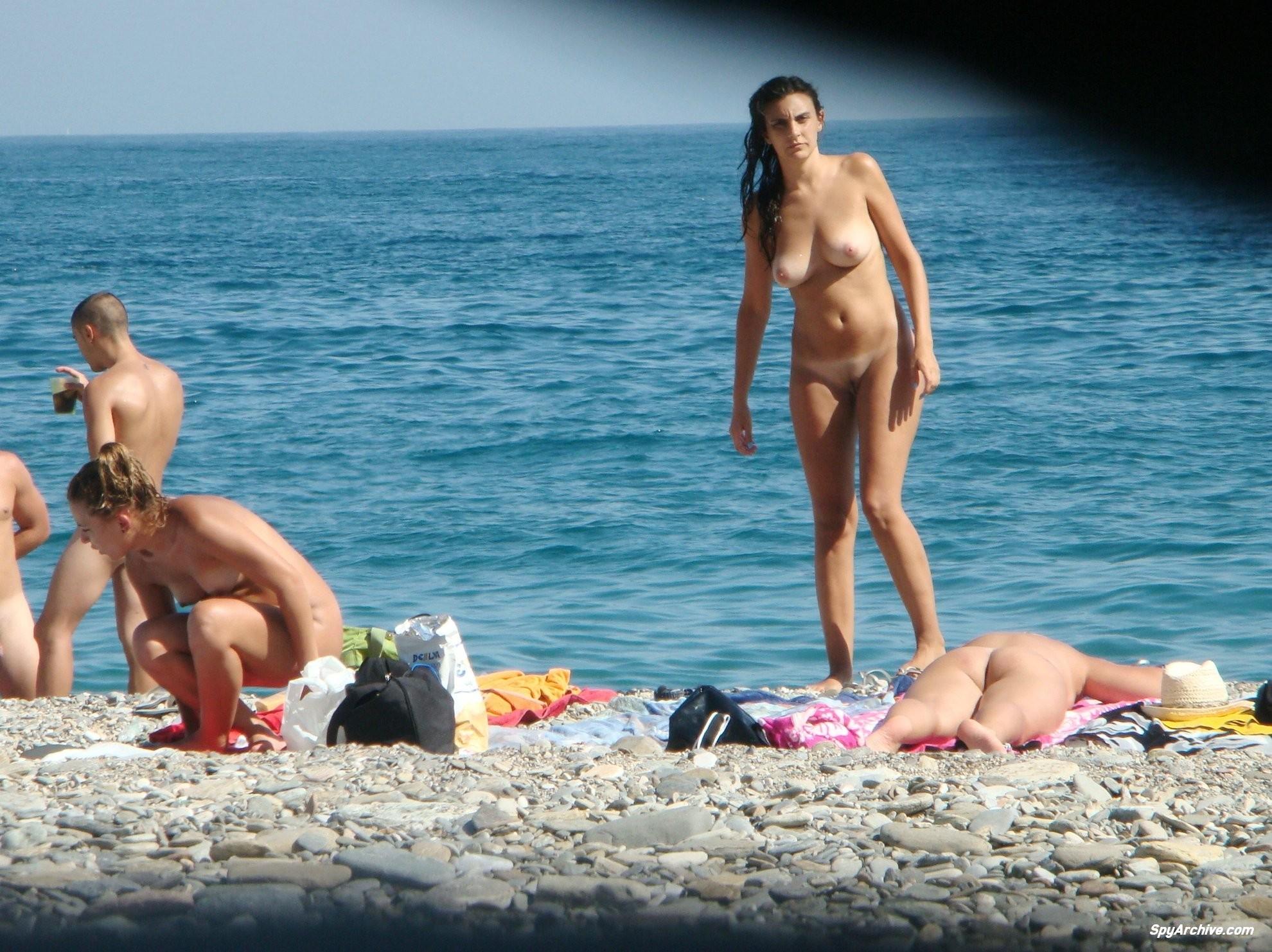 spy shots on naked girls