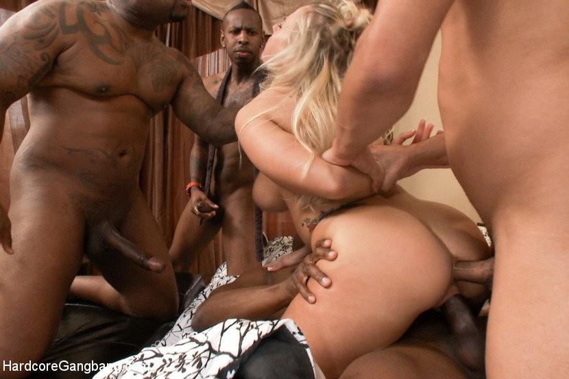 women giving men blowjobs