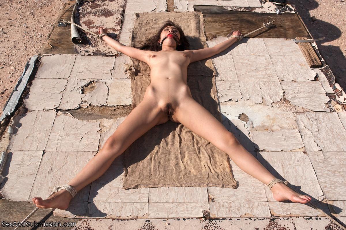female bondage porn