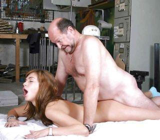 older milf nude pics