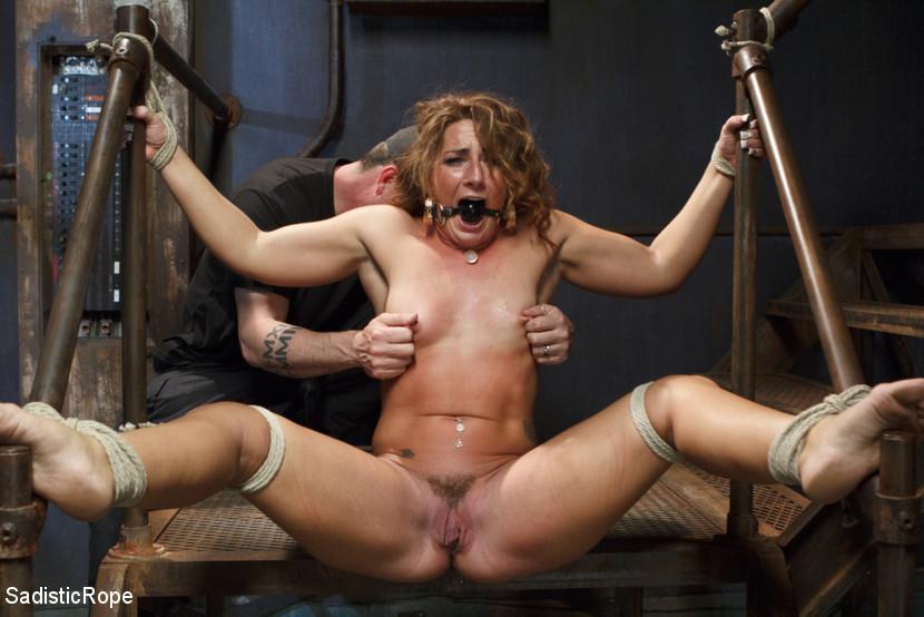 Big Booty Twerking Lesbians