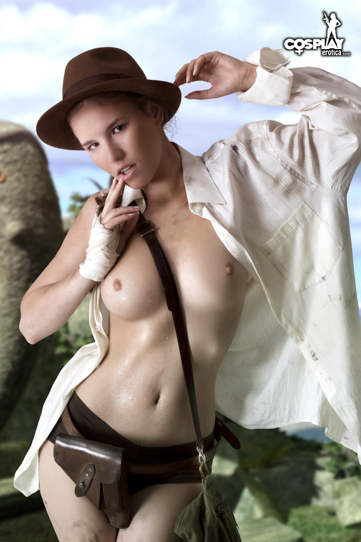 Girlfriend having sex topless