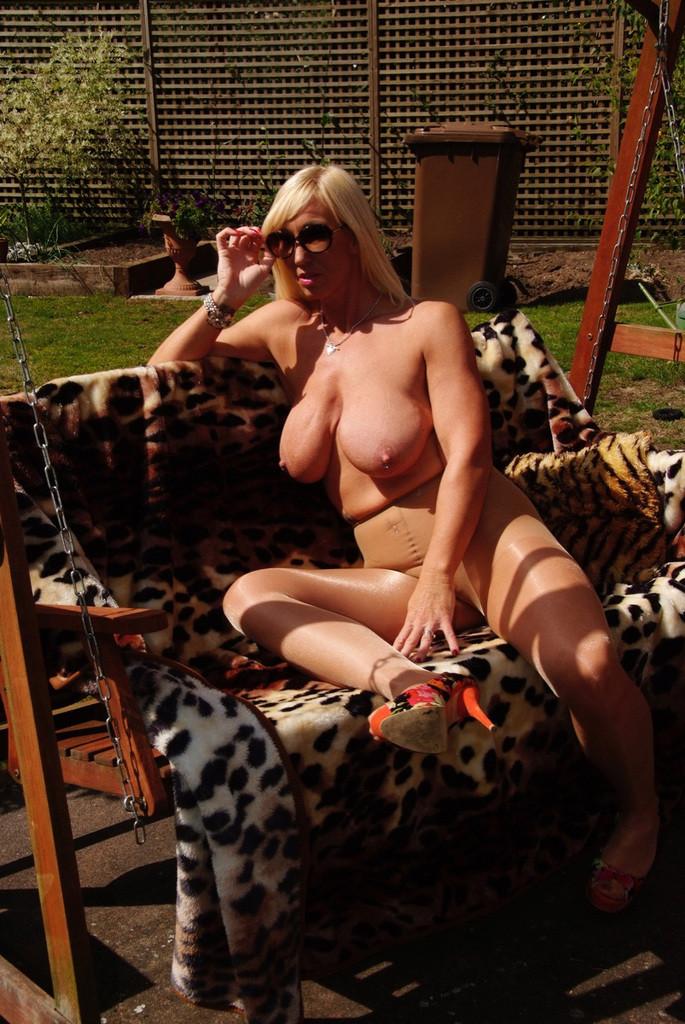 Freepics mature woman