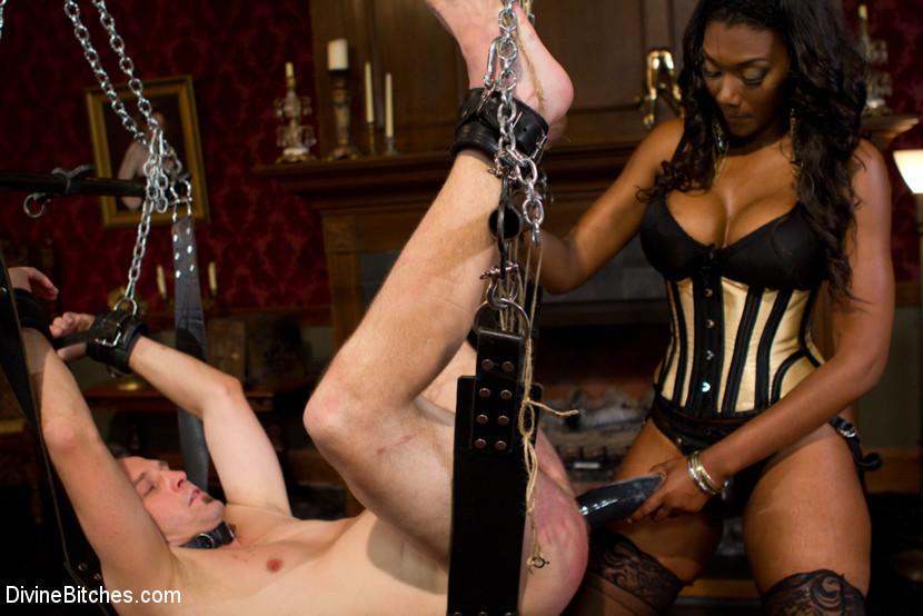 slave-to-a-black-femdom-pussy-spank-sex-sex