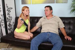 Een redhead alyssa jerks off her uncle