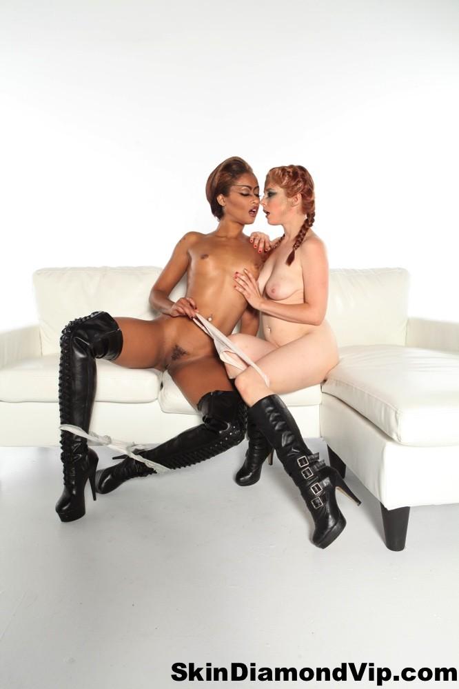 Lesbian Clit Sucking Ebony
