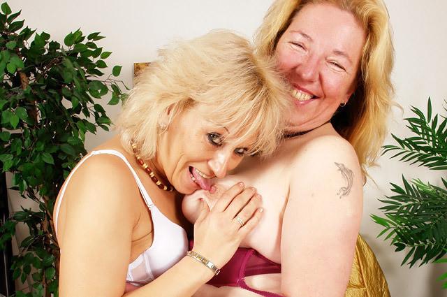 Skinny Big Tits Lesbian