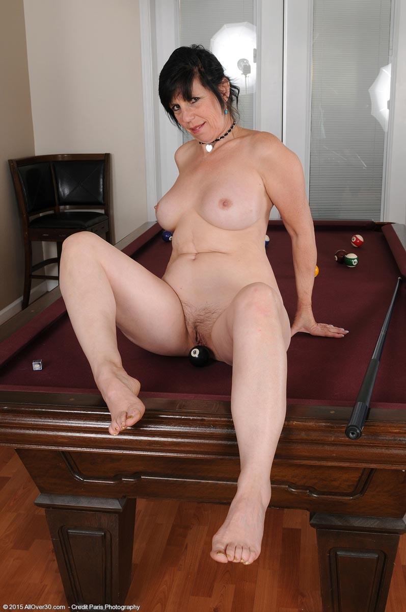 Curvy sexy mature women