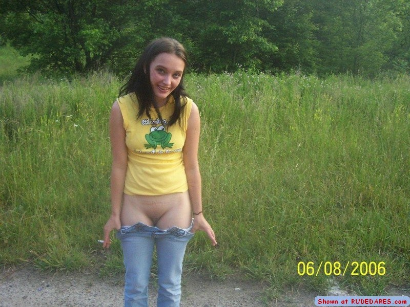 Public Amateur Teen Pee