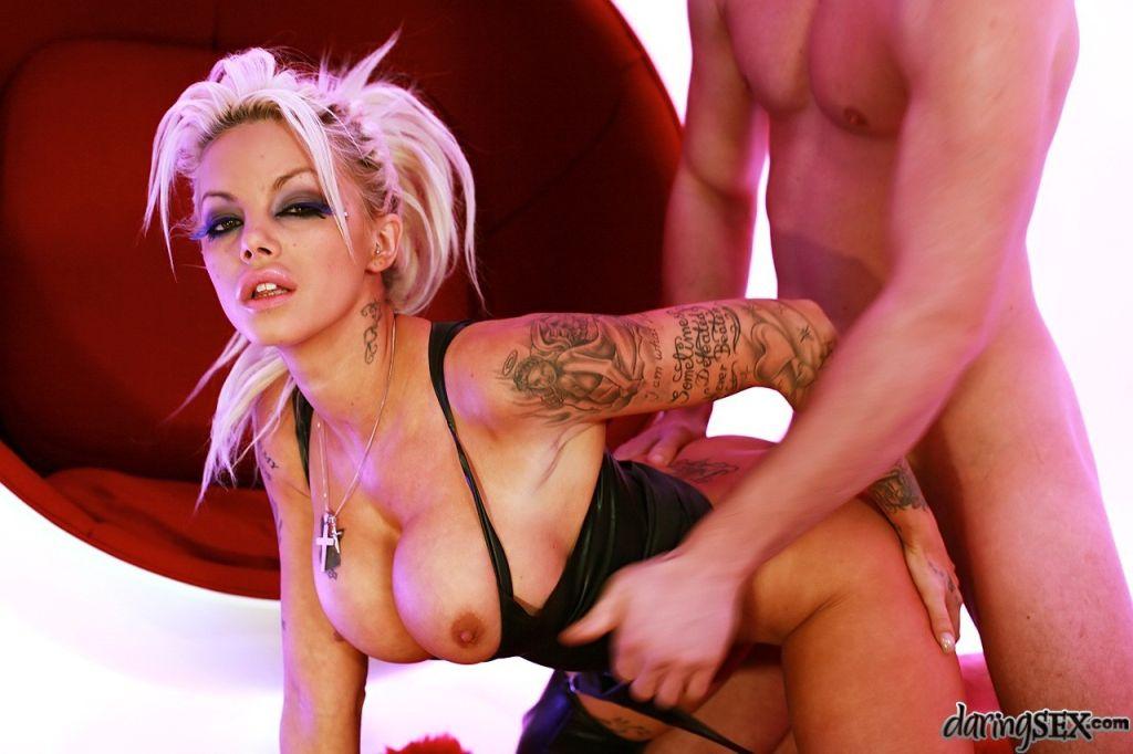porno-aktrisa-delta-frimen-porno-lesbi-nemetskoe