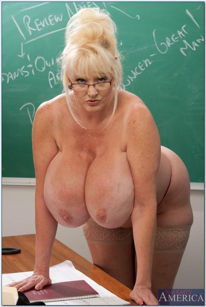 Big Tits Blonde Teen Lesbian