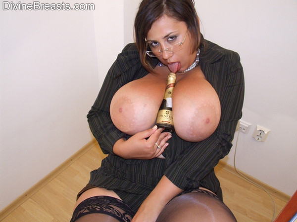 Nude pic of mature lady