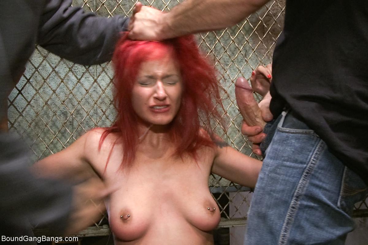 natasha henstridge naked pics
