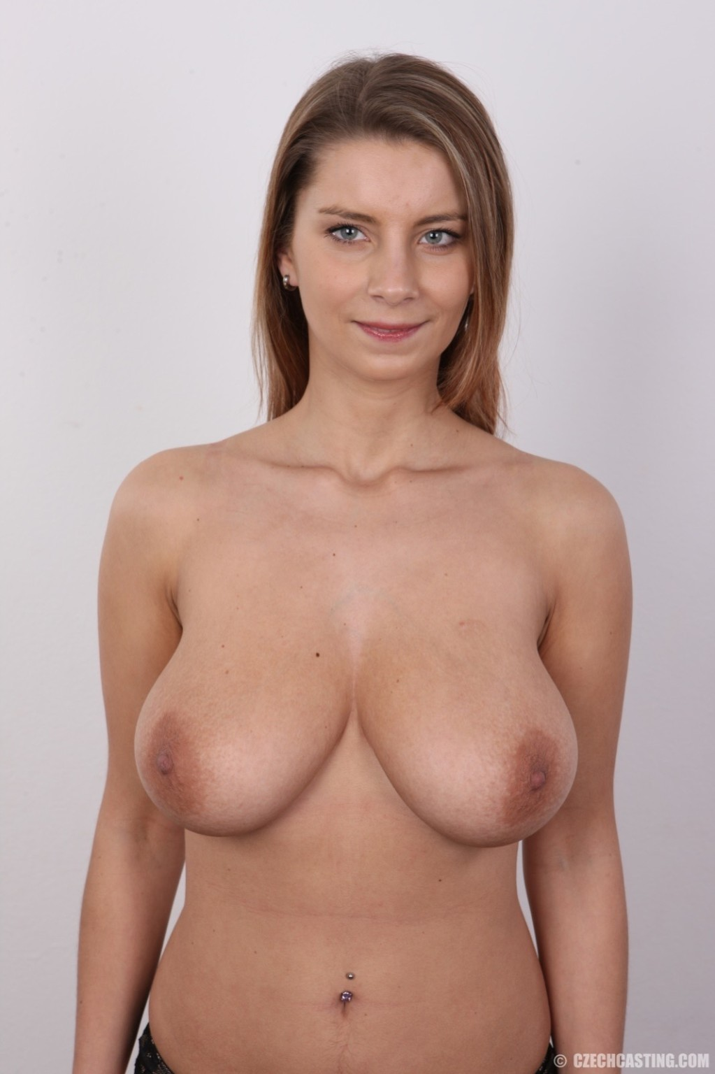 Big Natural Tits Cam Girl