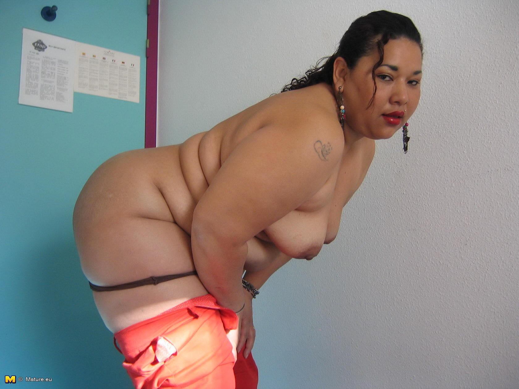 amateur chubby asian matures naked pics
