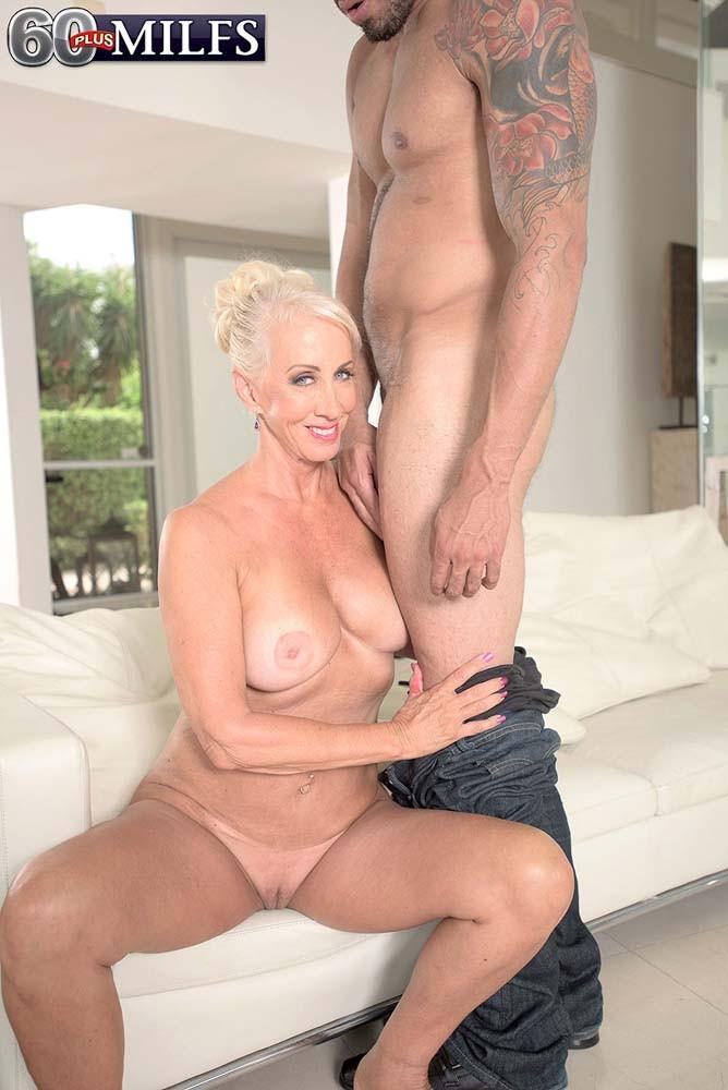 Hot big titty bitches