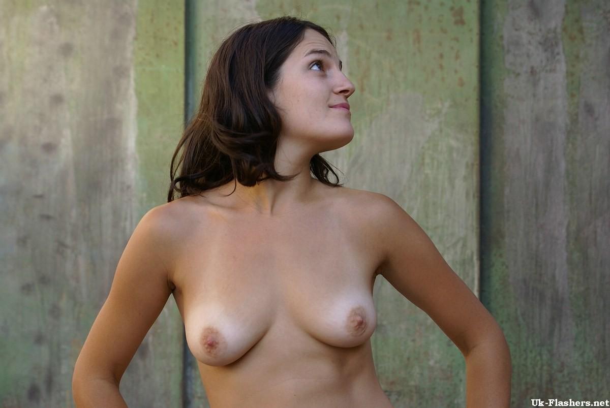 amateur latina nude