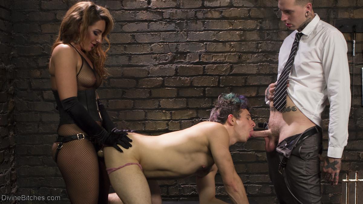 Смотреть порно жен мужей рабов