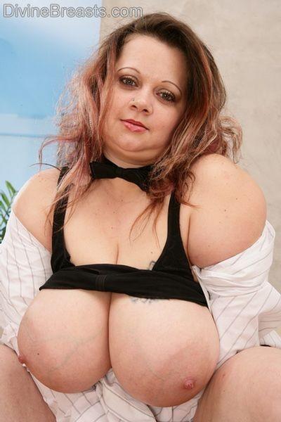Milf Boobs Bbw - BBW Milf With Tits Out - Pichunter