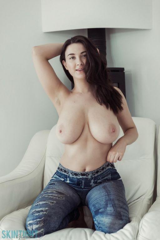 Scottish girls big booty